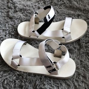VS PINK White Festival Sandals